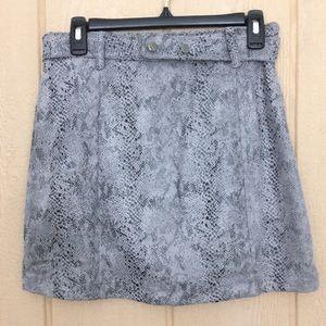 NWT Haute Monde Gray Snakeskin Mini Skirt. Size M
